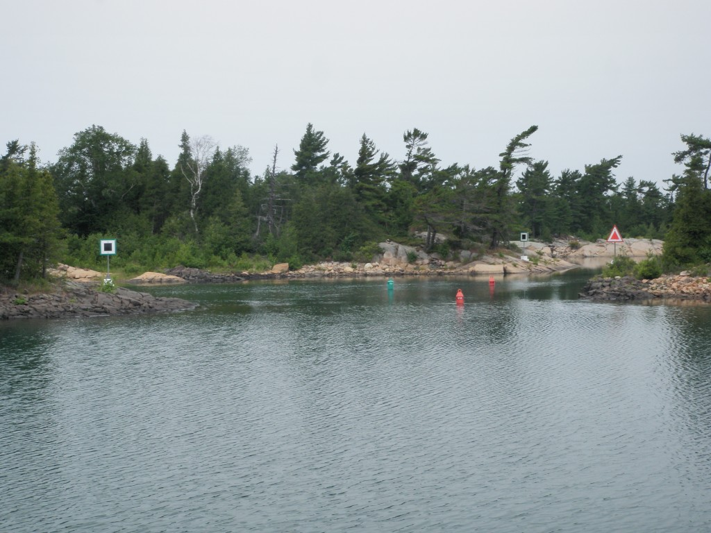 The small craft channel of Georgian Bay is very tight in spots, and not recommended for craft over 40 feet (they have to travel offshore).....