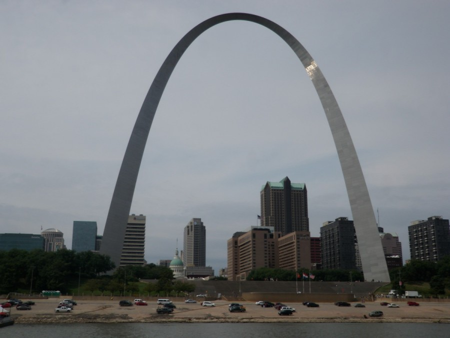 The Gateway Arch at St.Louis; it was very busy with river traffic along this section, with no place to stop,