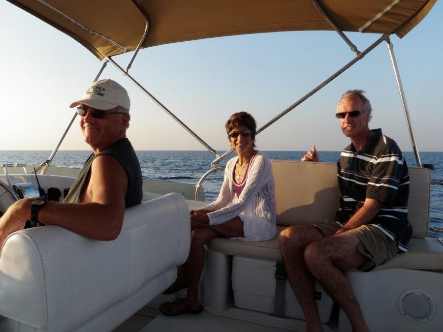 For the 200 mile crossing from Miami to Nassau (via Bimini) we were joined by good friends Doug and Roslyn Pringle.