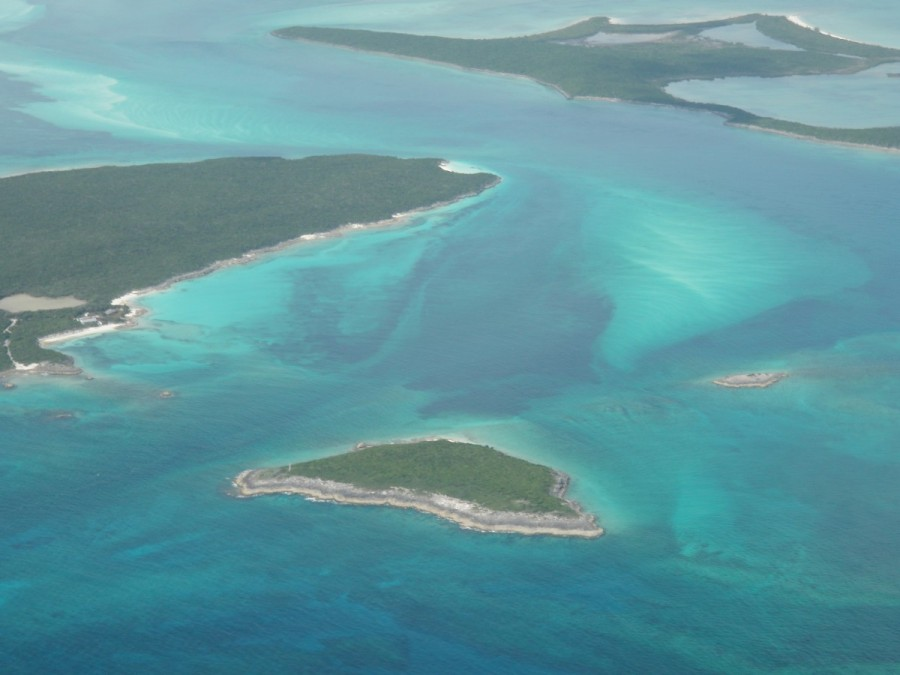 ......where the Admiral was able to take some great low level shots of the cays.....