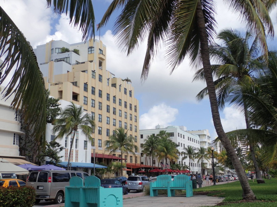 Another South Beach street scene.