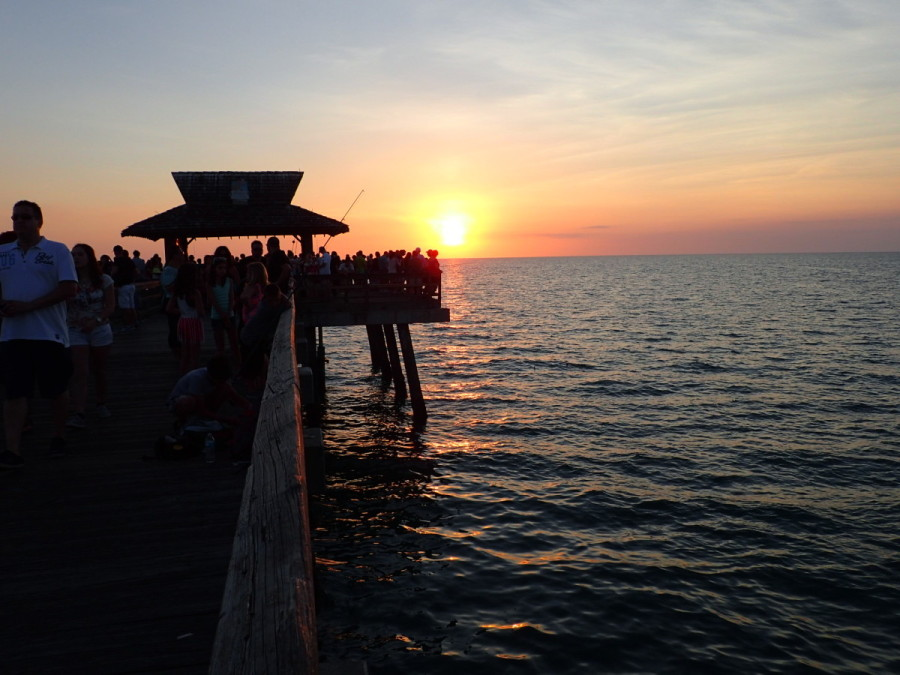 While in Naples we visited the public pier; both the surrounding beach and the pier was packed with swimmers and people fishing or just there to catch the sunset.